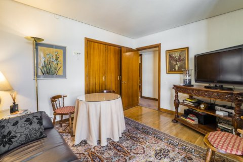Apartment for sale in Madrid, Spain, 6 bedrooms, 414.00m2, No. 2470 – photo 27