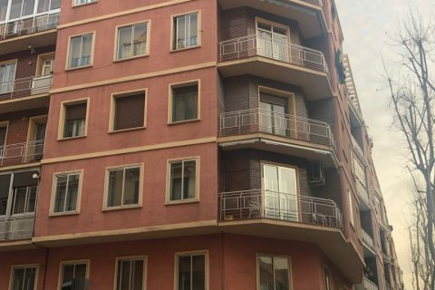 Apartment for sale in Madrid, Spain, 3 bedrooms, 90.00m2, No. 2050 – photo 1