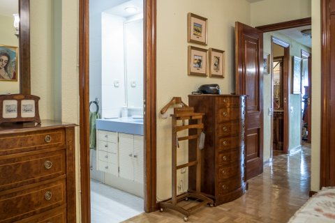 Apartment for sale in Madrid, Spain, 3 bedrooms, 117.80m2, No. 2173 – photo 17