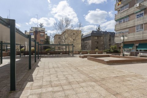 Apartment for sale in Madrid, Spain, 3 bedrooms, 245.00m2, No. 2666 – photo 27