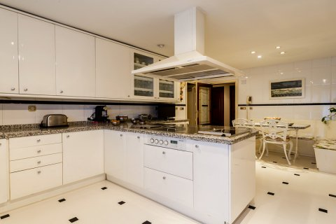 Duplex for sale in Madrid, Spain, 5 bedrooms, 514.00m2, No. 1493 – photo 13