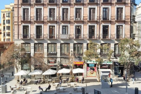 Apartment for rent in Madrid, Spain, 3 bedrooms, 90.00m2, No. 2730 – photo 4