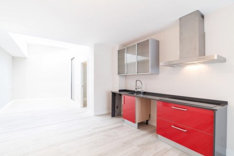 Apartment for sale in Madrid, Spain, 60.00m2, No. 1881 – photo 5