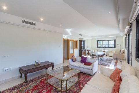 Penthouse for rent in Puerto Banus, Malaga, Spain, 4 bedrooms, 695.00m2, No. 1949 – photo 3