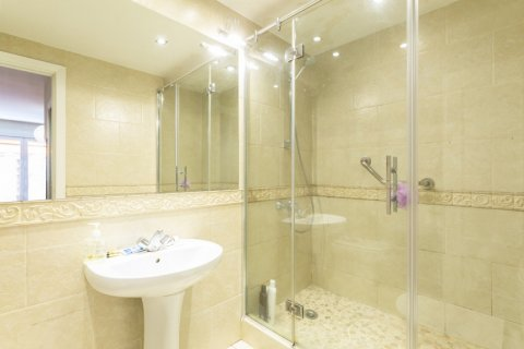 Apartment for sale in Madrid, Spain, 4 bedrooms, 158.00m2, No. 2182 – photo 10