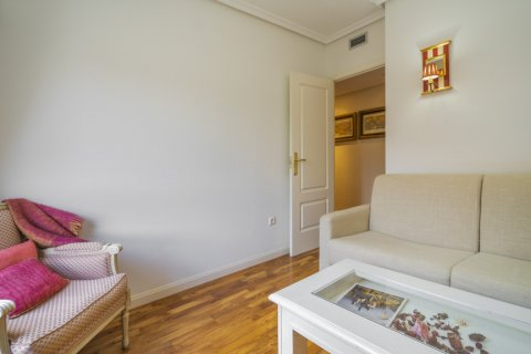 Apartment for sale in Madrid, Spain, 3 bedrooms, 122.00m2, No. 2678 – photo 18