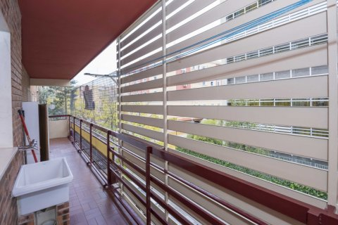 Apartment for sale in Madrid, Spain, 6 bedrooms, 216.00m2, No. 2002 – photo 4