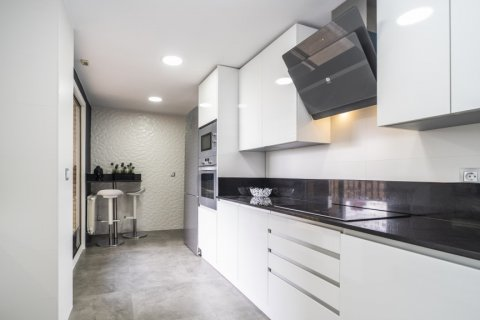 Apartment for sale in Madrid, Spain, 4 bedrooms, 160.00m2, No. 2590 – photo 10