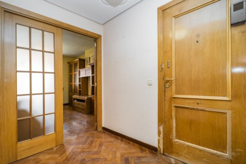 Apartment for sale in Madrid, Spain, 2 bedrooms, 84.00m2, No. 2635 – photo 27
