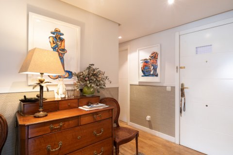 Apartment for sale in Madrid, Spain, 4 bedrooms, 171.00m2, No. 2442 – photo 18