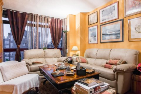 Apartment for sale in Madrid, Spain, 4 bedrooms, 140.00m2, No. 1787 – photo 1