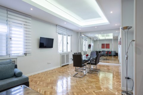 Apartment for sale in Madrid, Spain, 3 bedrooms, 147.00m2, No. 2026 – photo 1