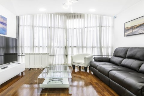 Apartment for sale in Madrid, Spain, 3 bedrooms, 100.00m2, No. 2540 – photo 1