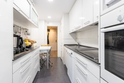 Apartment for sale in Madrid, Spain, 3 bedrooms, 121.00m2, No. 2521 – photo 11