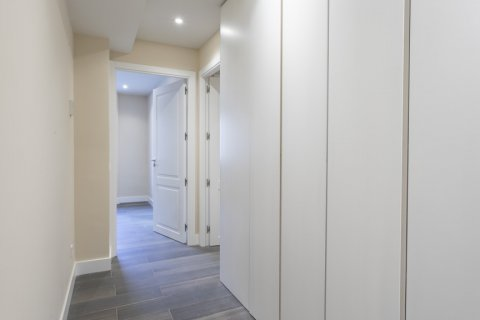 Apartment for sale in Madrid, Spain, 4 bedrooms, 290.00m2, No. 2043 – photo 23