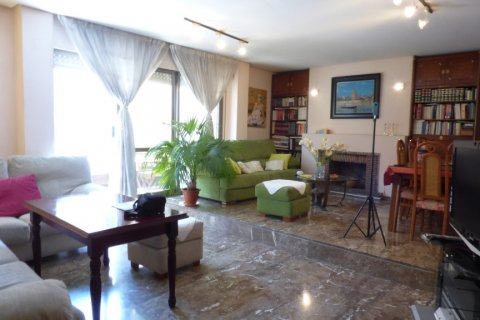 Apartment for sale in Sevilla, Seville, Spain, 5 bedrooms, 200.00m2, No. 1603 – photo 1