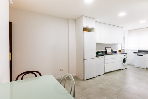 Apartment for sale in Madrid, Spain, 6 bedrooms, 355.00m2, No. 2376 – photo 12