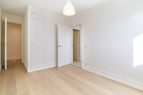 Apartment for sale in Madrid, Spain, 4 bedrooms, 251.00m2, No. 2527 – photo 23
