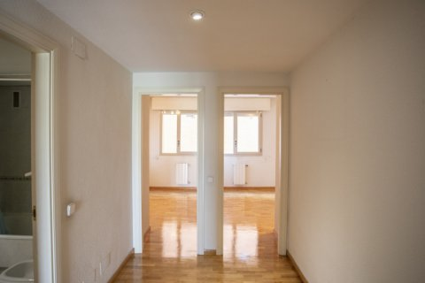 Apartment for rent in Madrid, Spain, 4 bedrooms, 150.00m2, No. 1937 – photo 28