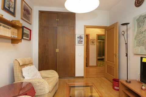 Apartment for sale in Madrid, Spain, 5 bedrooms, 322.00m2, No. 2584 – photo 21