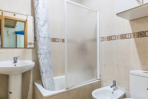 Apartment for sale in Madrid, Spain, 3 bedrooms, 139.00m2, No. 2218 – photo 24