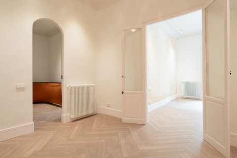Apartment for sale in Madrid, Spain, 3 bedrooms, 185.00m2, No. 2098 – photo 11