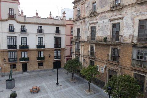 Duplex for sale in Cadiz, Spain, 3 bedrooms, 187.00m2, No. 1611 – photo 28