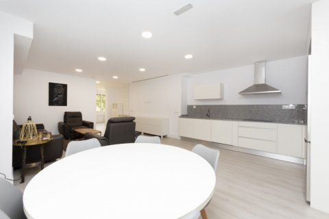 Apartment for sale in Madrid, Spain, 4 bedrooms, 218.00m2, No. 2124 – photo 15
