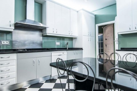 Apartment for sale in Madrid, Spain, 4 bedrooms, 230.00m2, No. 1672 – photo 19