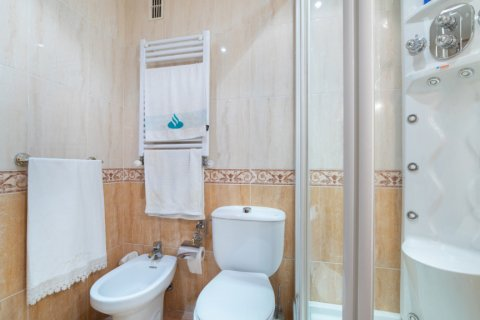 Apartment for sale in Madrid, Spain, 3 bedrooms, 73.00m2, No. 1801 – photo 23