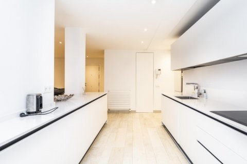 Apartment for rent in Madrid, Spain, 2 bedrooms, 150.00m2, No. 2395 – photo 9
