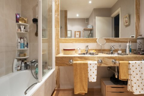 Apartment for sale in Madrid, Spain, 3 bedrooms, 227.00m2, No. 1943 – photo 24