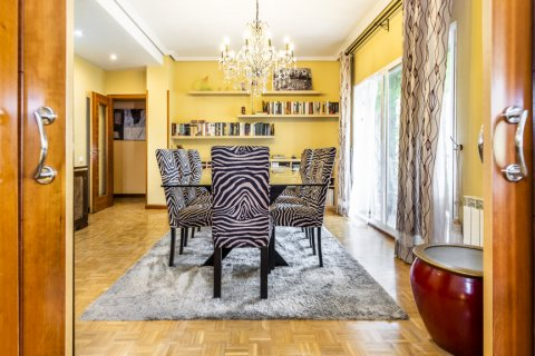 Apartment for sale in Madrid, Spain, 5 bedrooms, 232.00m2, No. 2190 – photo 9