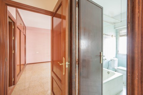 Apartment for sale in Sevilla, Seville, Spain, 5 bedrooms, 204.00m2, No. 2637 – photo 28