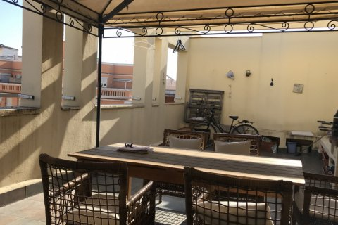 Apartment for rent in Madrid, Spain, 2 bedrooms, 140.00m2, No. 2015 – photo 1