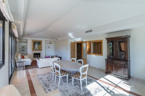 Penthouse for rent in Puerto Banus, Malaga, Spain, 4 bedrooms, 695.00m2, No. 1949 – photo 2