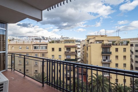 Apartment for sale in Malaga, Spain, 15 bedrooms, 669.00m2, No. 2235 – photo 3