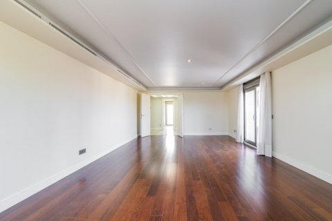 Penthouse for sale in Madrid, Spain, 3 bedrooms, 239.00m2, No. 1699 – photo 4