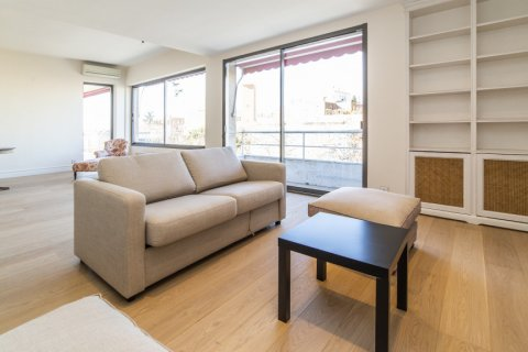 Apartment for sale in Madrid, Spain, 4 bedrooms, 251.00m2, No. 2527 – photo 2