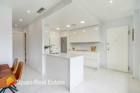 Apartment for sale in Benidorm, Alicante, Spain, 3 bedrooms, 129.32m2, No. 1305 – photo 4