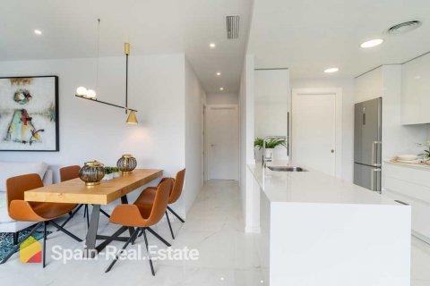 Apartment for sale in Benidorm, Alicante, Spain, 3 bedrooms, 129.32m2, No. 1301 – photo 1
