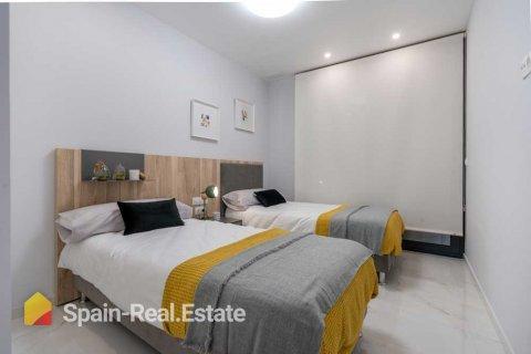 Apartment for sale in Benidorm, Alicante, Spain, 3 bedrooms, 129.32m2, No. 1301 – photo 10