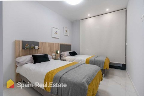 Apartment for sale in Benidorm, Alicante, Spain, 3 bedrooms, 129.32m2, No. 1305 – photo 1