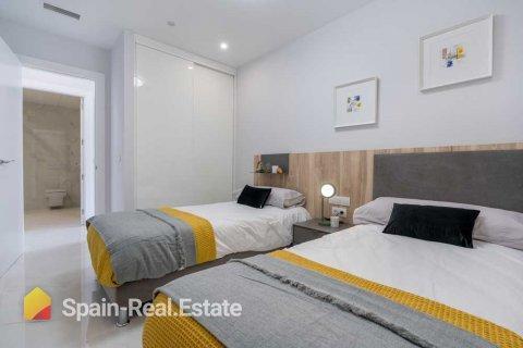 Apartment for sale in Benidorm, Alicante, Spain, 3 bedrooms, 129.32m2, No. 1301 – photo 11
