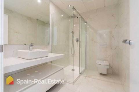 Apartment for sale in Benidorm, Alicante, Spain, 3 bedrooms, 129.32m2, No. 1303 – photo 12