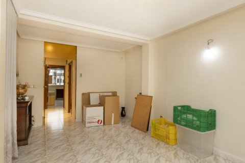 Apartment for sale in Madrid, Spain, 5 bedrooms, 114.00m2, No. 2670 – photo 6