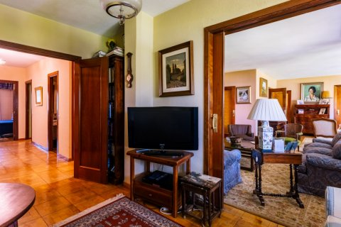 Apartment for sale in Madrid, Spain, 6 bedrooms, 355.00m2, No. 2376 – photo 7