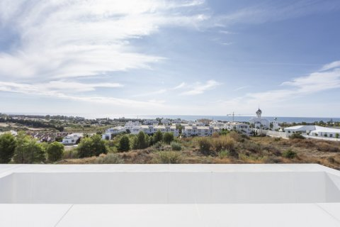 Penthouse for sale in Estepona, Malaga, Spain, 4 bedrooms, 135.00m2, No. 2362 – photo 20