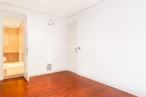 Apartment for sale in Madrid, Spain, 1 bedroom, 51.00m2, No. 1832 – photo 2