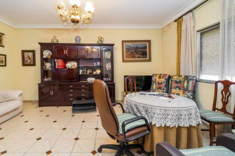 Apartment for sale in Madrid, Spain, 5 bedrooms, 133.00m2, No. 2686 – photo 23